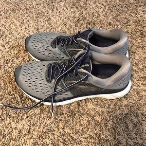 Brooks Glycerin 16 Tennis Shoes